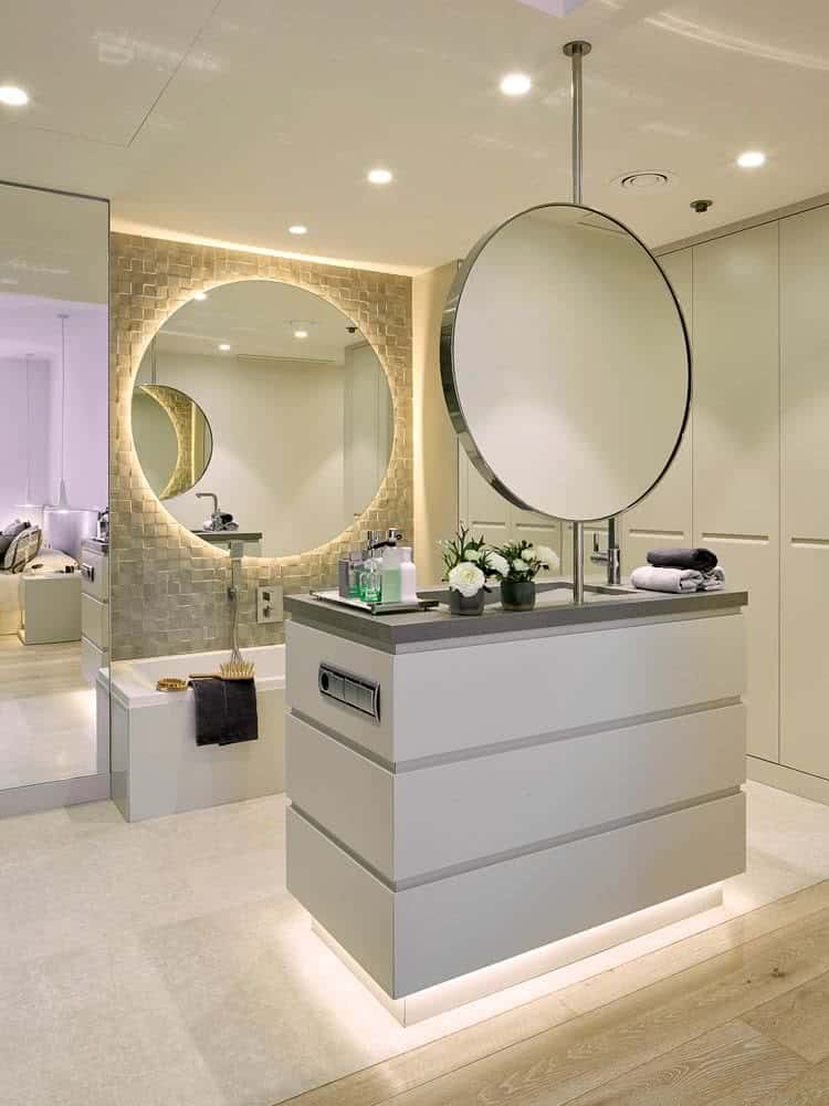 Top trends modern bathroom designs 7 interior decor trends for Bathroom design 2019