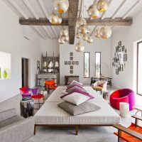 Popular Trends for Living Room Decor - a mix of colors and trendy furniture to adopt in 2019
